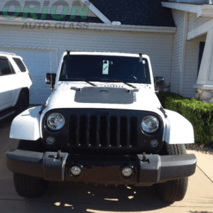 white jeep, windshield replacement